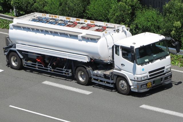 大型トラックドライバーの年収